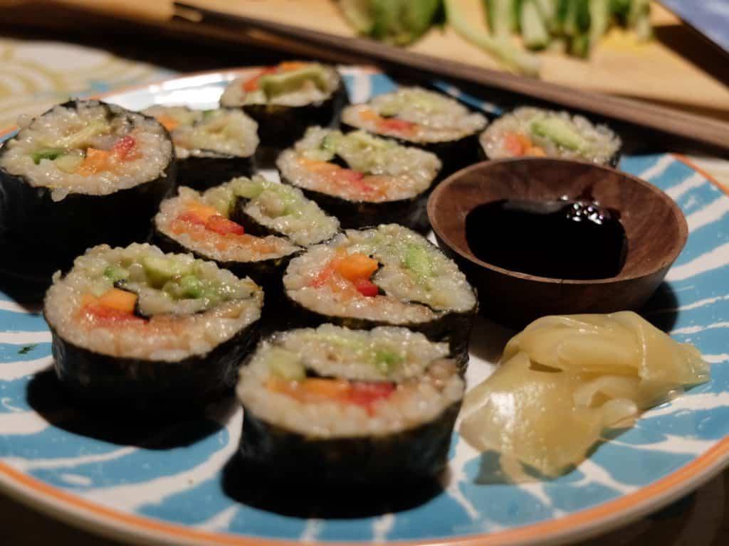 Hjemmelavet sushi byg-selv sushi til fleksitar familien